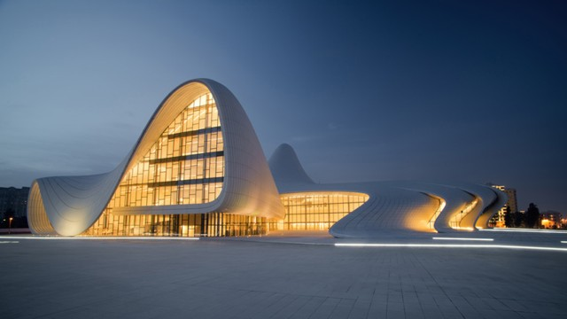 Azerbaijan: 'Heydar Aliyev Center' - Zaha Hadid Architects
