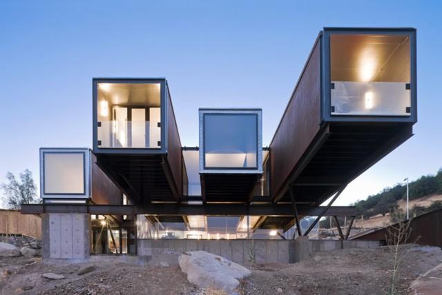 Chile: Caterpillar House - Sebastián Irarrázaval