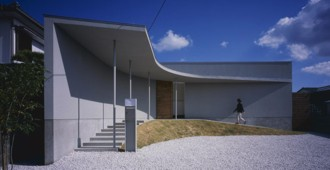 Japan: House in Naruto - Horibe Associates architect's office
